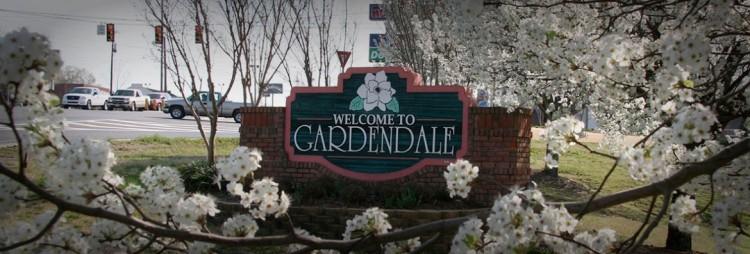 race-1-gardendale-sign