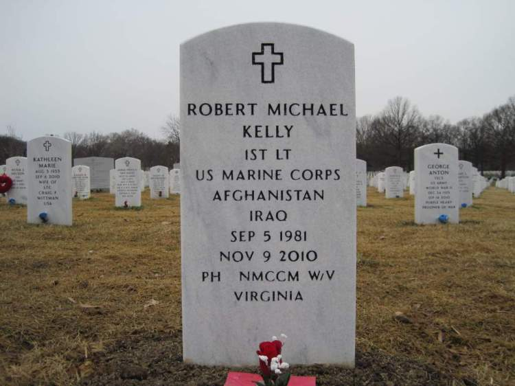 Robert-Kelly-grave.jpg