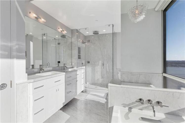 apt-bath