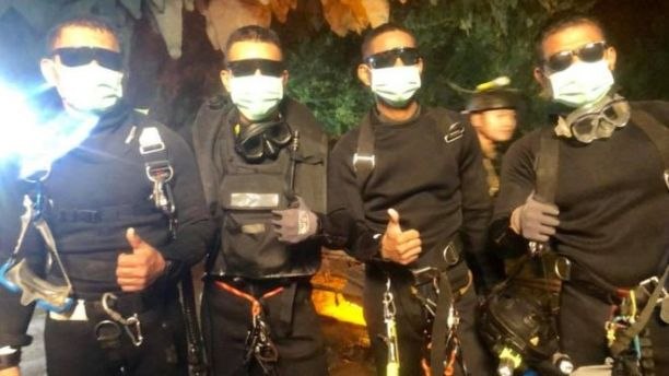 Dr Harris and four Seal divers