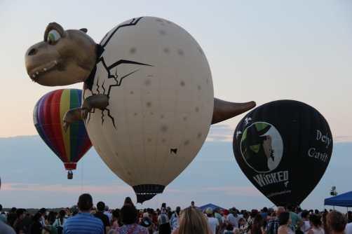 balloon-dinosar