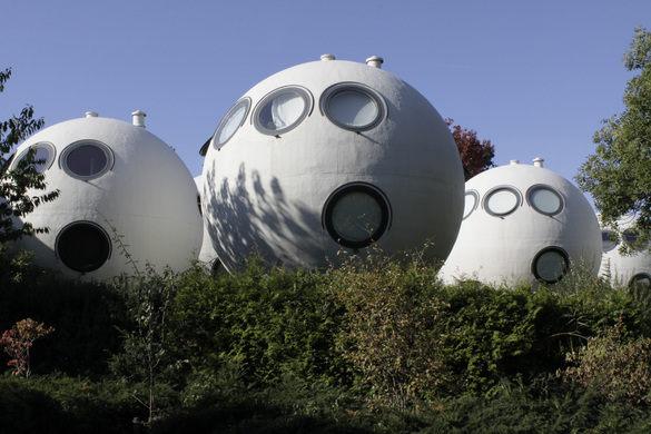 ball-houses-3