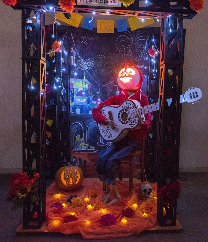 nasa-halloween-pumpkin-carving-contest-13-5bd811e23cb2a__700