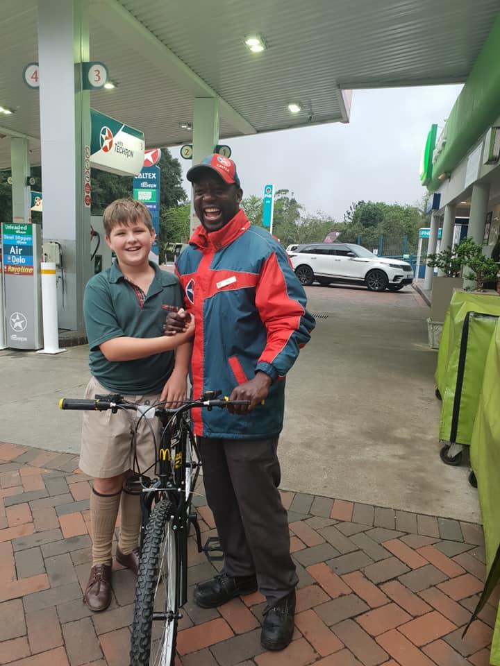 z2zjh-boy-buys-gas-station-worker-bike-1