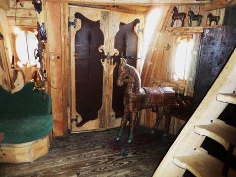 trojan-horse-living-room