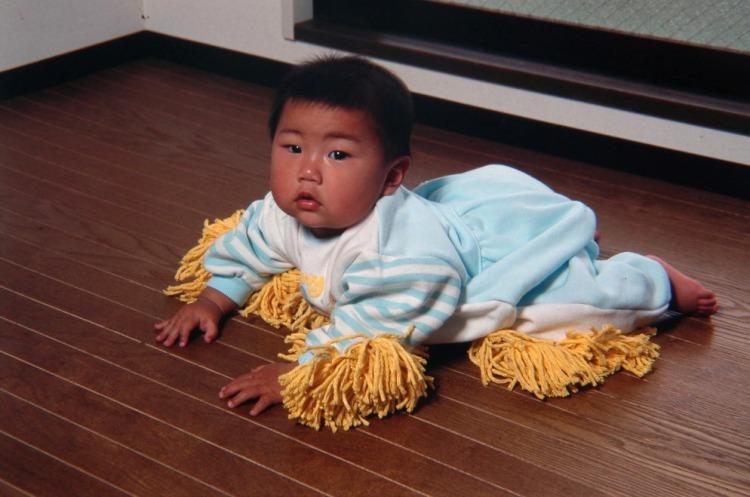 chindogu-baby-mop6