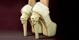 shoes-skull