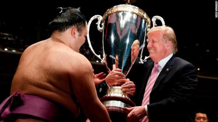Trump-sumo-2