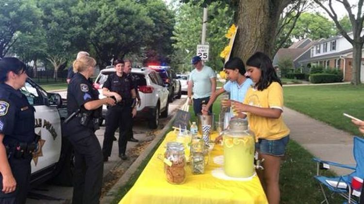 Good People Doing Good Things — Cops Lemonade-stand