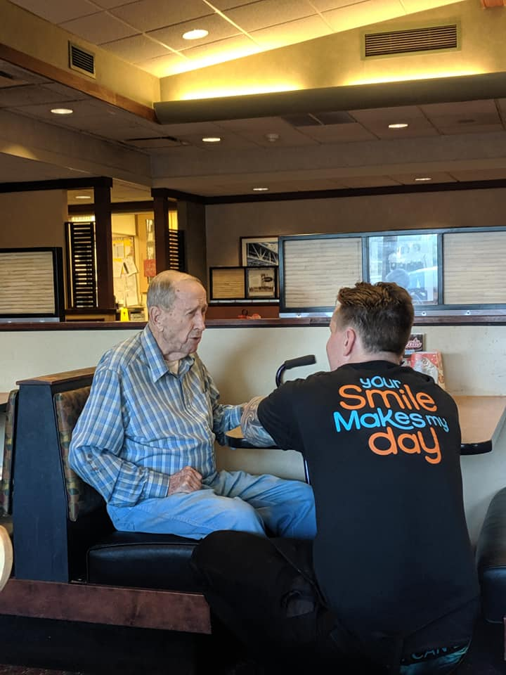 Good People Doing Good Things — Everyday People Server-dines-with-lonely-old-man-2