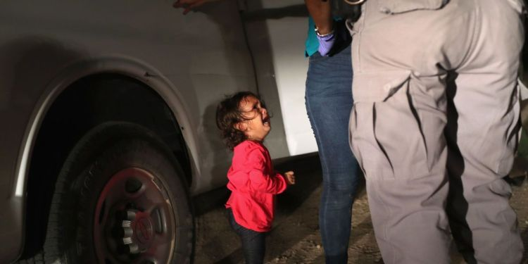 2-year-old immigrant girl crying as mother is arrested by ICE