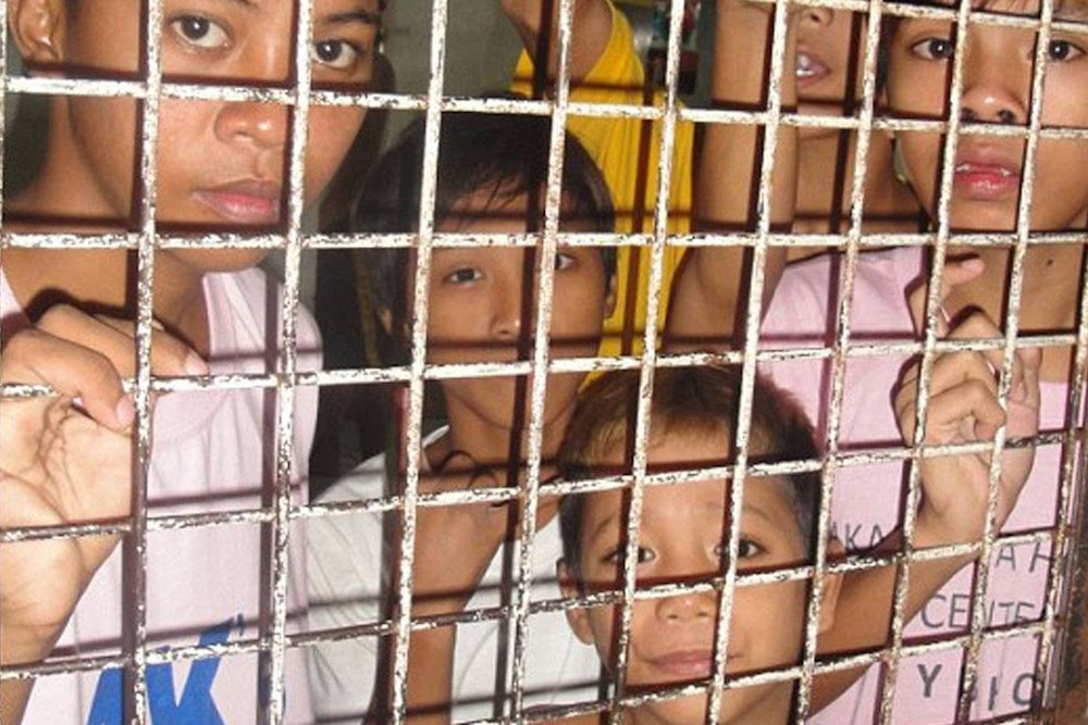 kids in cages at the southern border